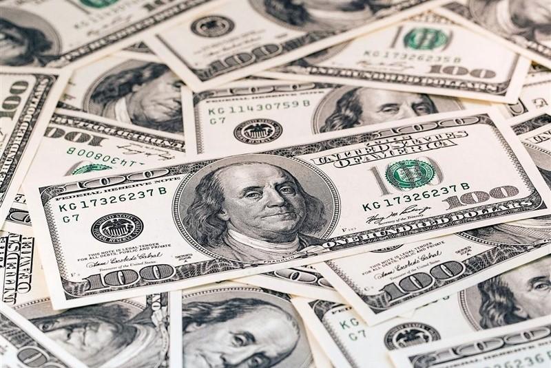 گرانی ماندن کالاها با وجود ارزان شدن دلار! (چسبندگی قیمت )