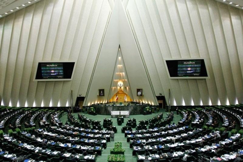 حضور  وزرای راه و شهرسازی و نفت  در کمیسیون عمران