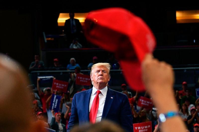 آیا دولت ترامپ به دنبال مذاکره صلح آمیز با ایران است؟