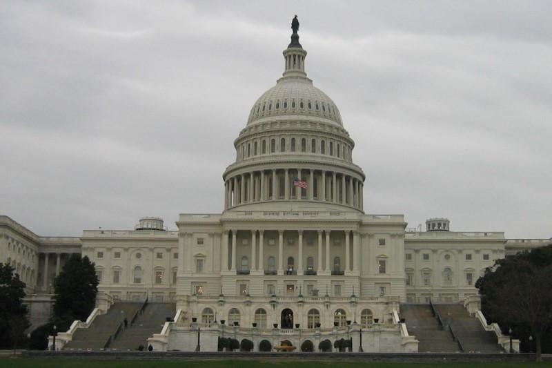 جدال در محافل سیاسی آمریکا بر سر حمله نظامی به ایران شدت گرفته است!