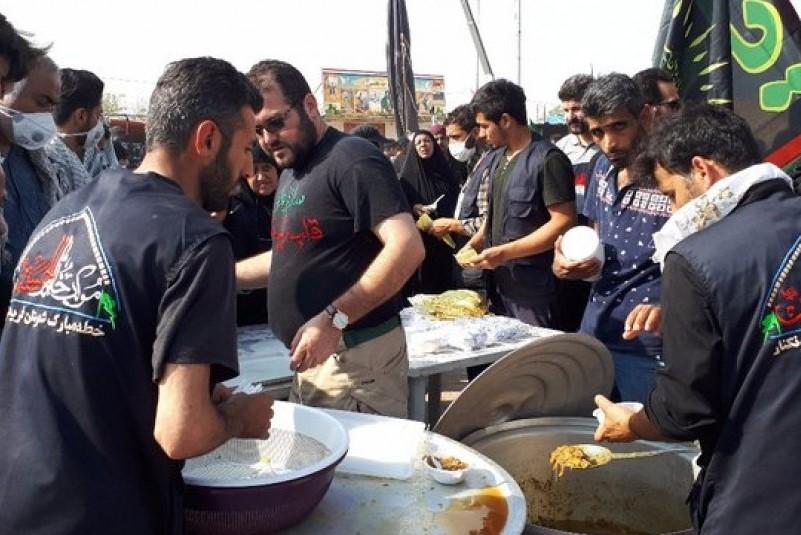 موکبی که برای یاری امام زمان(عج) برپا شده است/ کار متفاوت جوانان ایرانی در عراق