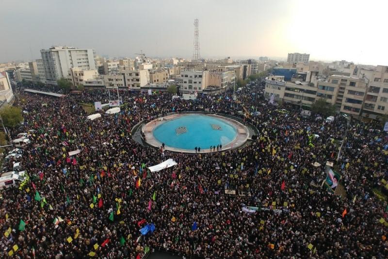 راهپیمایی مردم تهران در محکومیت آشوبهای اخیر/ سردار سلامی: ما هیچ کاری را بیپاسخ نمیگذاریم