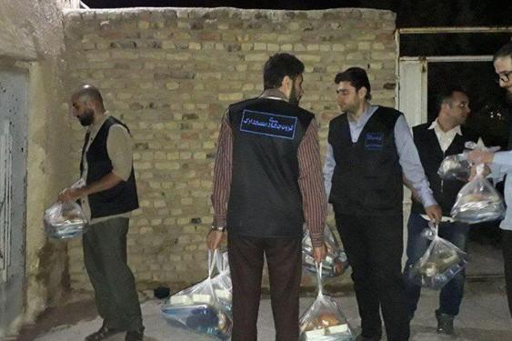 گروه جهادی مسجد ارک به اطعام نیازمندان بازار و کورهپزخانههای تهران پرداختند