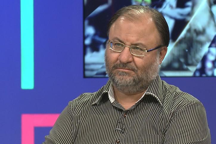 انتخابات اسفند ماه فرصتی مناسب است تا مردم علفهای هرز را هرس کنند/ روحانی میز ریاست را دوست دارد و اهل استعفا دادن نیست