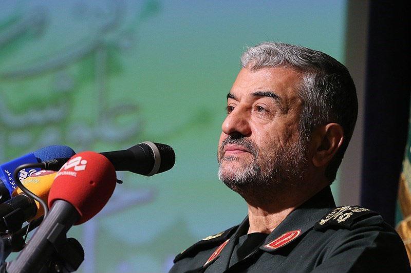 شهادت سپهبد سلیمانی مبدا خروج آمریکا از خاورمیانه است