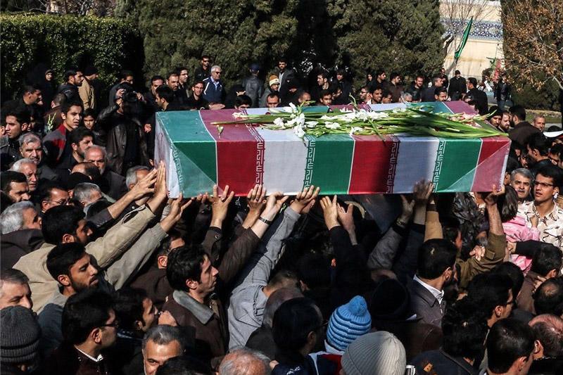 آیین تشییع و تدفین شهیدان دوران دفاع مقدس