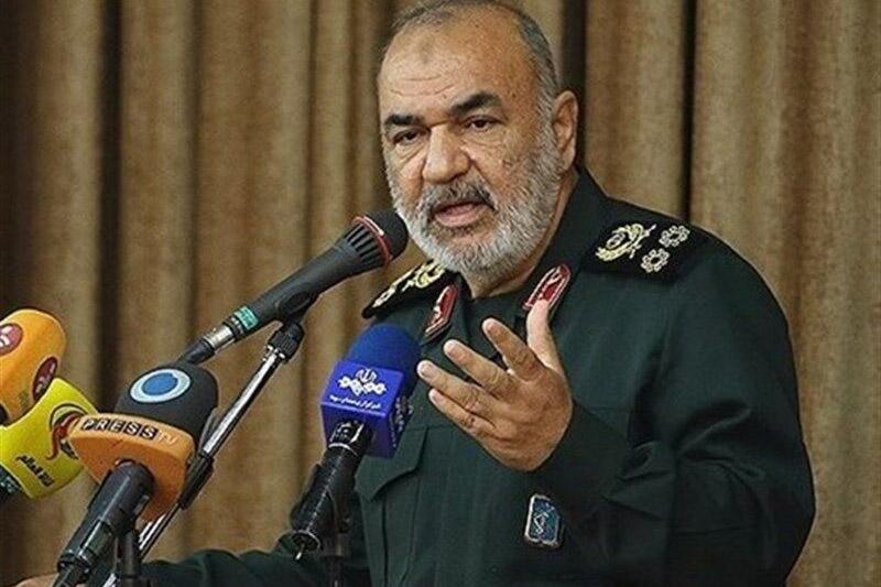 بسیج باعث وحدت نیروهای ارزشمند انقلاب اسلامی میشود