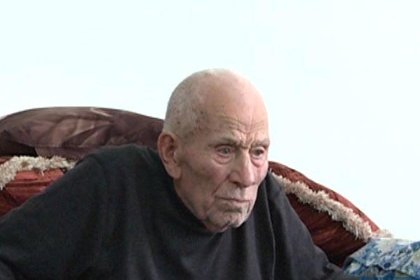 پدر شهیدان شاپور و علیرضا برزگر در اردبیل درگذشت