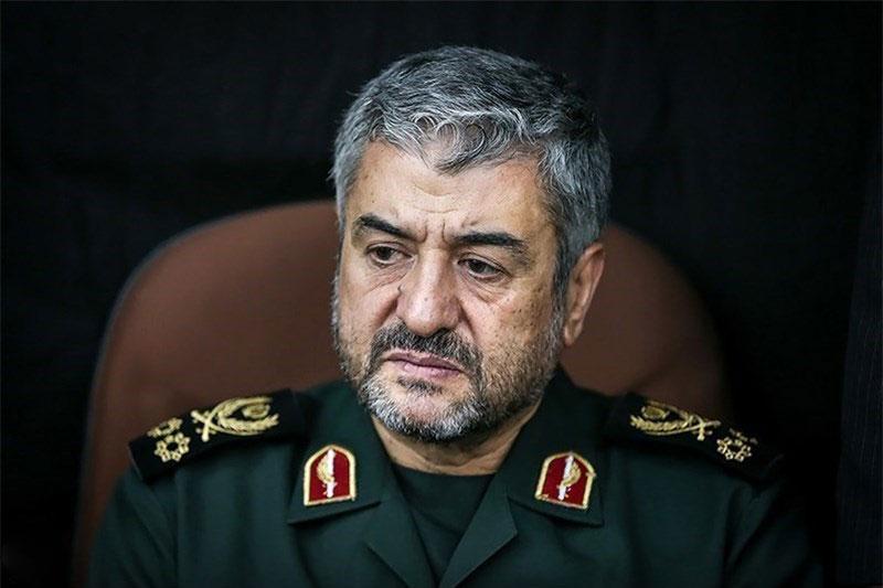 سرمنشا ایستادگی ملت ایران از خون شهداست
