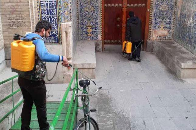 عکس| ضد عفونی معابر منطقهی یک شهر اصفهان