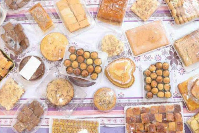 عکس| تهیه و پخت کیک های خانگی ویژه کادر درمان اصفهان