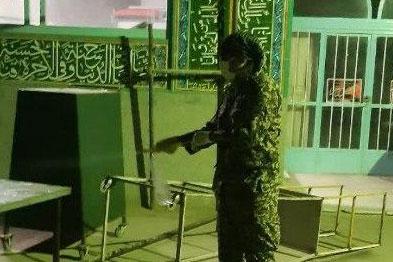 عکس| ضدعفونی مساجد محله خانه اصفهان