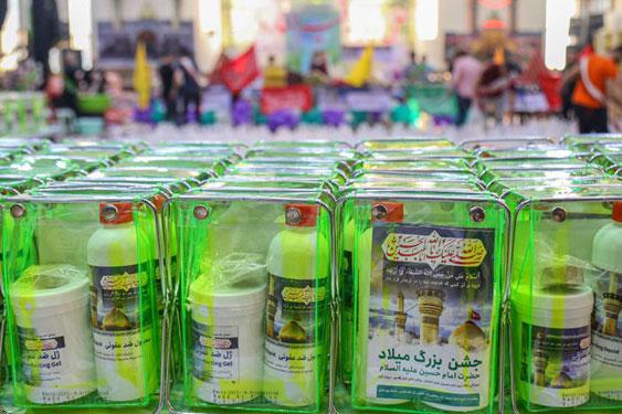 توزیع بستههای حمایتی بین نیازمندان خرمآبادی توسط موسسه باب الحوائج/ مناطق محروم در اولویت هستند
