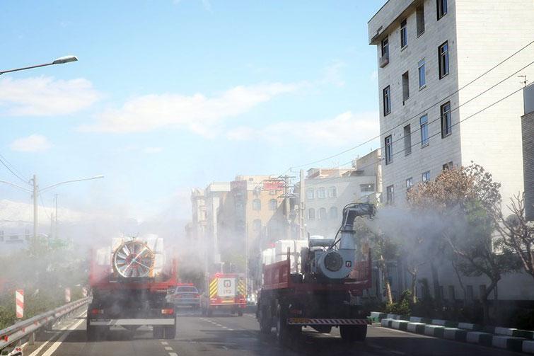 ضدعفونی معابر شهر ری تهران توسط گروههای جهادی بسیج انجام شد