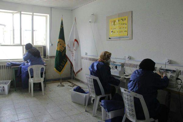 راه اندازی کارگاه تولید لباس پزشکی و پرستاری در بندرگز توسط خادمیاران رضوی و هلال احمر+تصاویر