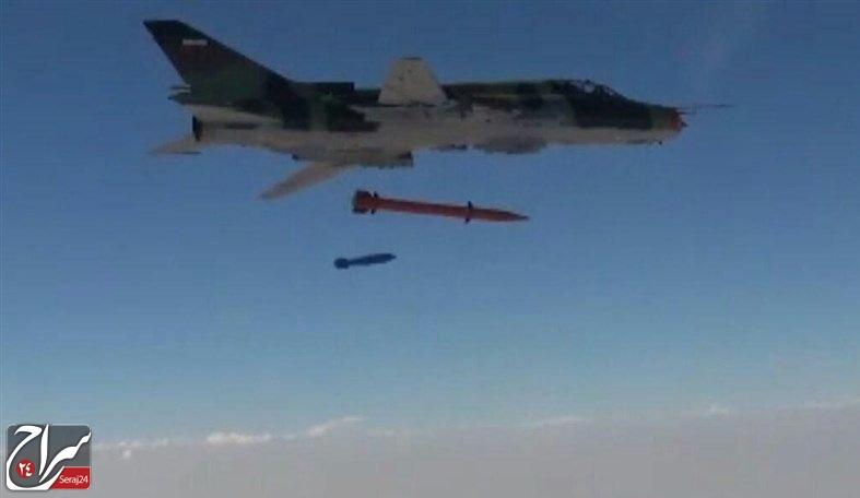 تصاویری از تجهیز جنگنده های سوخو ۲۲ سپاه به موشک جدید منتشر شد