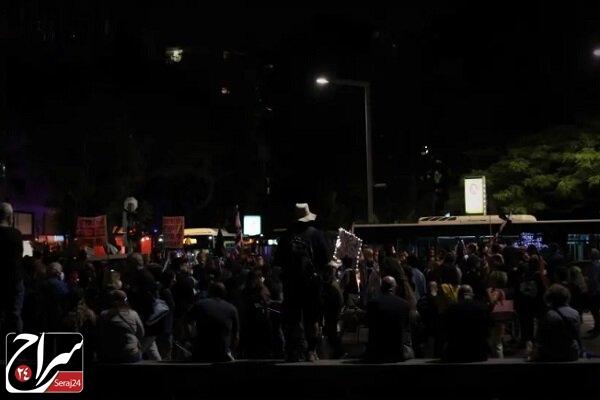 تظاهرات مخالفان نتانیاهو در تل آویو با شعار«نمی توانم نفس بکشم»