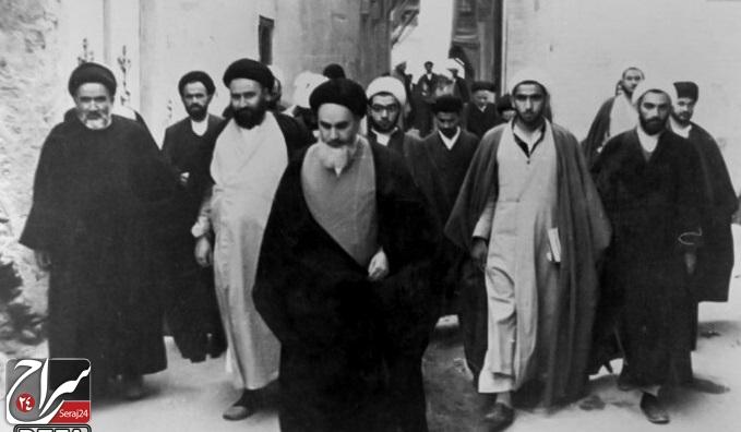 راه رهایی هر ملتی از چنگال استعمار، مذهب است/ هیچ روحانیای با دستگاه ضد اسلامی آشتی نخواهد کرد
