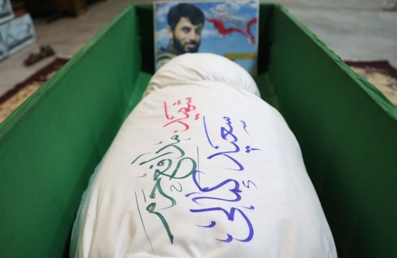 پیکر شهید سعید کمالی در معراج شهدا