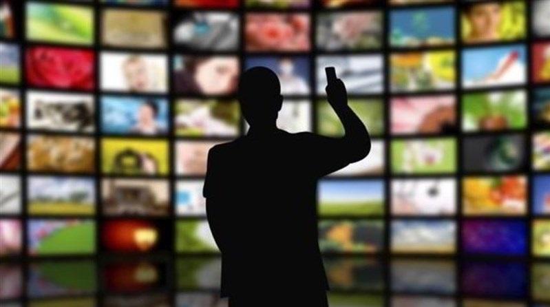 چند برنامه رادیویی و شبکه استانی در میلاد امام رضا(ع)