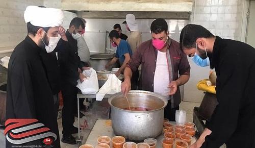 توزیع ۳۰۰۰ پرس غذای گرم میان نیازمندان شیراز و خفردر عاشورای حسینی