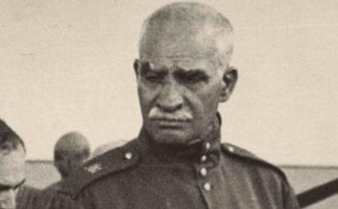 معمای دیکتاتور/  رضاخان مخالفان داخلی اش را سرکوب کرد