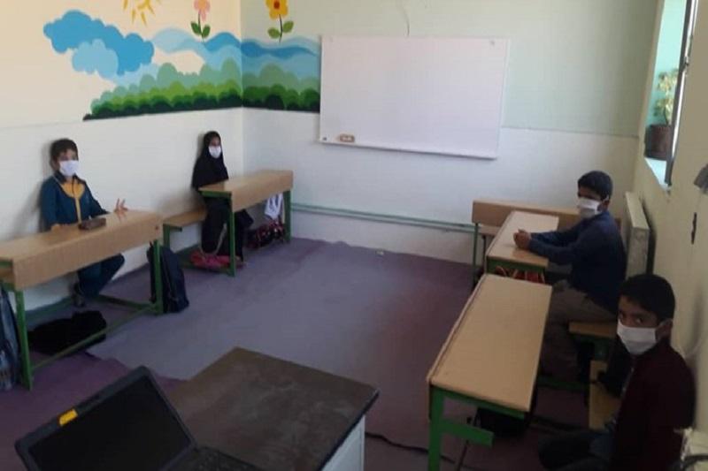 مدرسهای به رنگ مهربانی حاصل کار جهادی در روستای قلعهسر