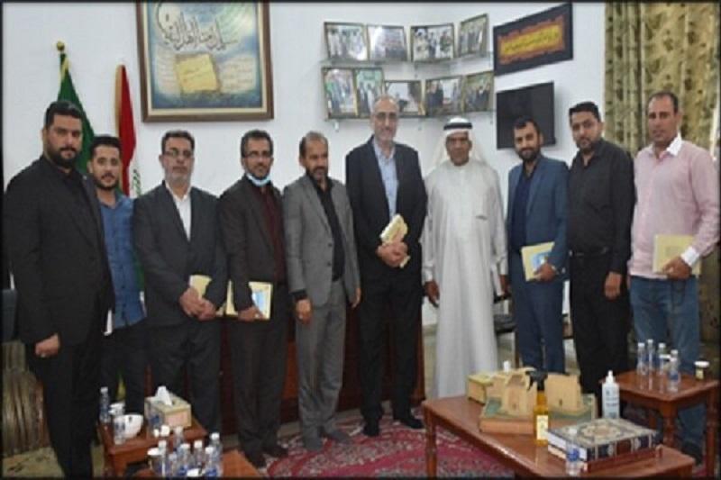 بازدید هیأتی از رایزنی فرهنگی ایران در بغداد از آستان سلمان فارسی