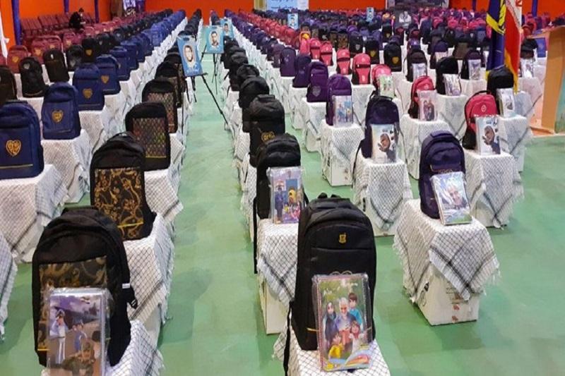 اهدا ۱۳ هزار بسته لوازمالتحریر به دانشآموزان مددجوی خراسان شمالی
