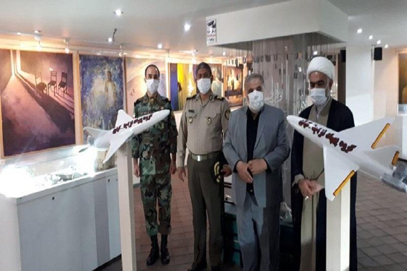 «ماکت پهپاد انتحاری کیان» به موزه بنیاد شهید ری اهداء شد