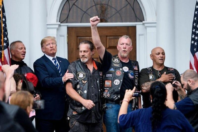 فیلم/ اعلام آمادگی طرفداران ترامپ برای جنگ خیابانی در آمریکا!
