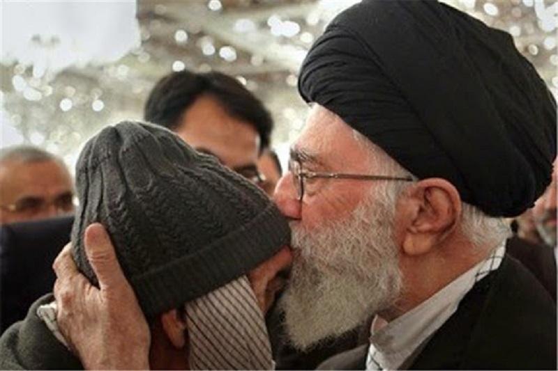 آئین رونمایی از کتاب «بابا رجب» با حضور همسر شهید برگزار شد