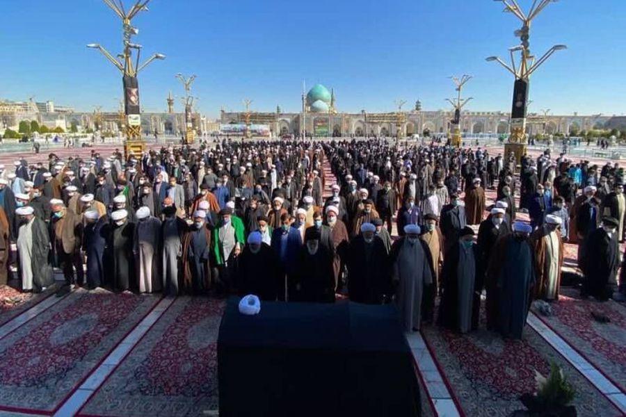 پیکر حجت الاسلام عبدالمجید دیانی در حرم رضوی تشییع شد