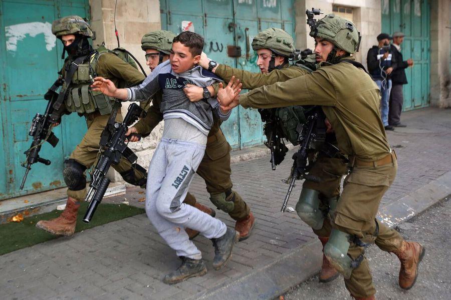 بازداشت ۱۲ فلسطینی دیگر در کرانه باختری