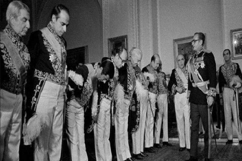 سرانجام دولت آشتی ملی محمدرضا پهلوی چه شد؟
