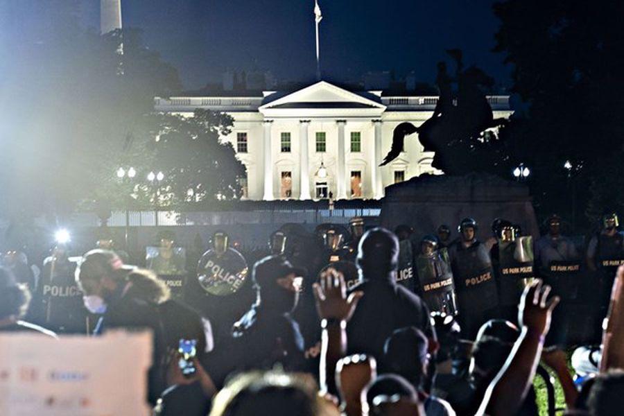 نگران کننده بودن منتقل نشدن مسالمت آمیز قدرت در آمریکا