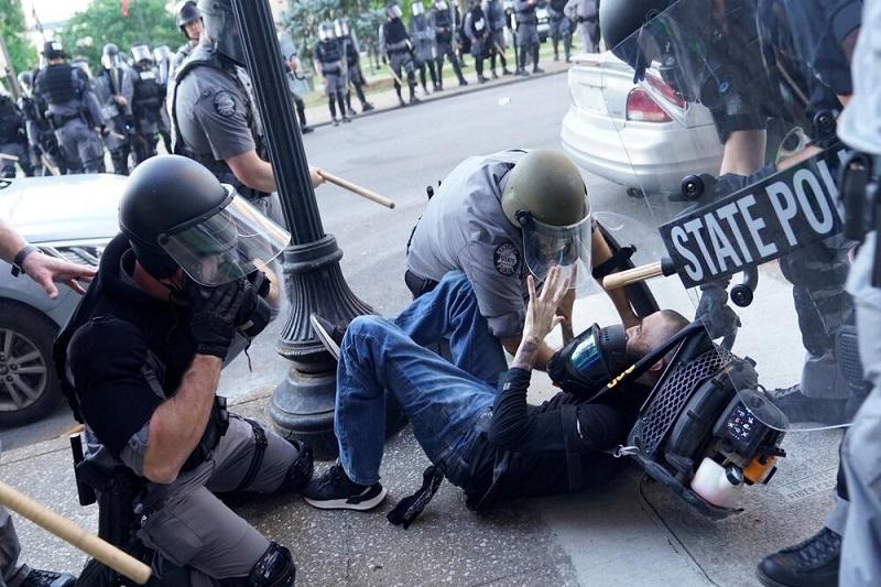 وحشیگری فرهنگی غرب با نقاب آزادی بیان