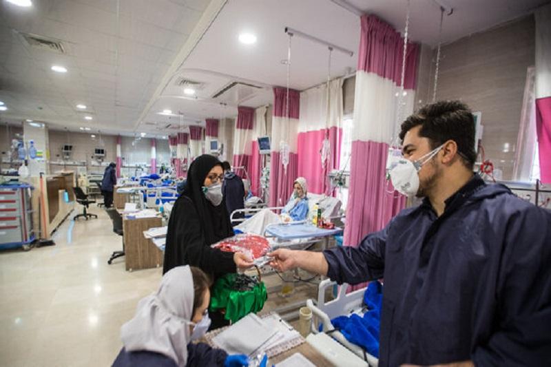 کمکرسانی ۳ گروه جهادی دانشجویی به بیمارستانها