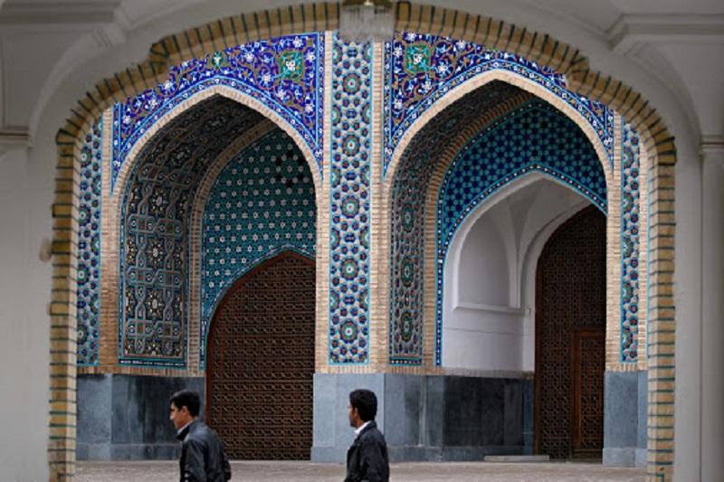درب مساجد نباید به روی نمازگزاران بسته شود