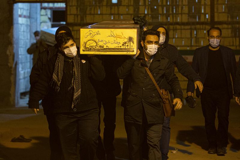 تدفین سه شهید گمنام در حسینیه فاطمیون