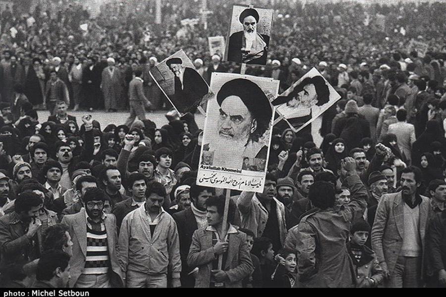 انقلاب اسلامی برای نفی نظام دو قطبی  بینالمللی برپا شد