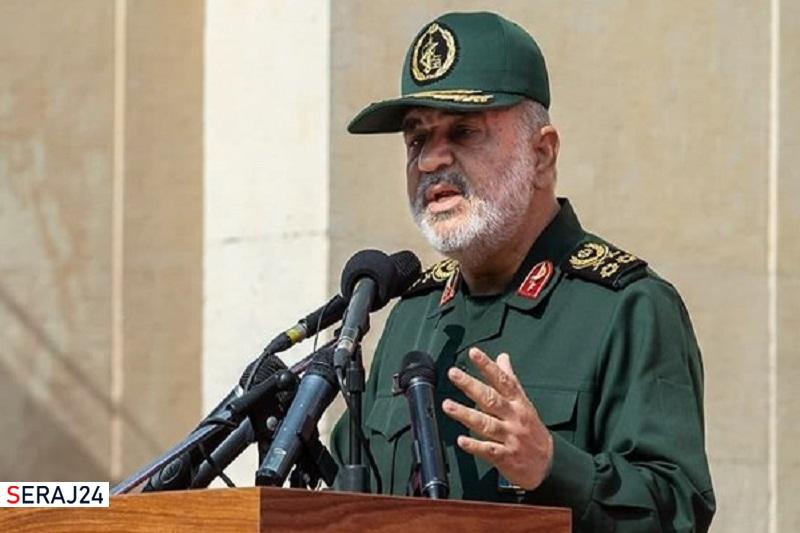 دشمن بر «قائمه» نظام یعنی رهبر انقلاب متمرکز شده و هرچه ایشان بگوید جنجال راه میاندازند