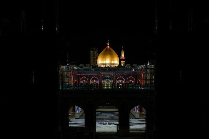 صحن حضرت زهرا(س) در نجف برای نخستینبار نورباران شد+عکس