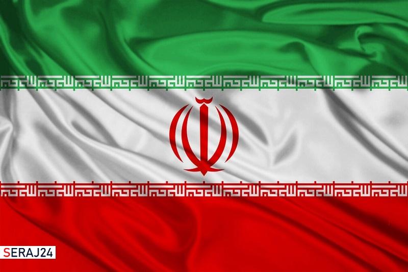 اهدای نمادین پرچم ایران به تلاشگران عرصه گام دوم انقلاب