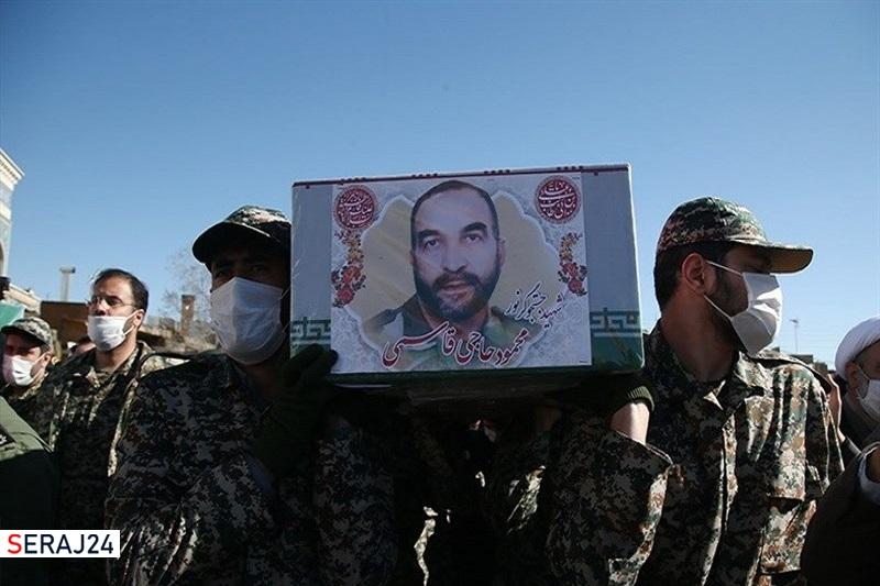 خاکسپاری پیکر شهید «محمود حاجیقاسمی» در بسطام