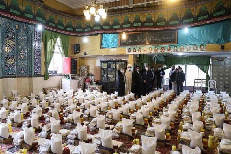 کمکهای مؤمنانه به مردم بامحوریت مساجد برکات بسیاری به همراه دارد
