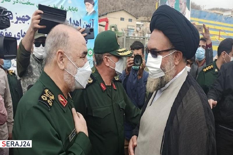 فرمانده کل سپاه در شهر زلزلهزده سیسخت+تصاویر