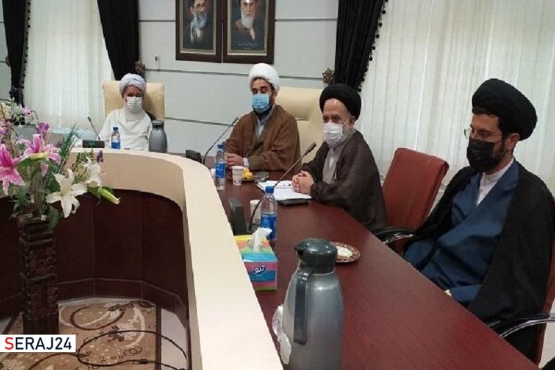 ائمه جماعت کرمانشاه باید مردم را برای شرکت در انتخابات تشویق کنند