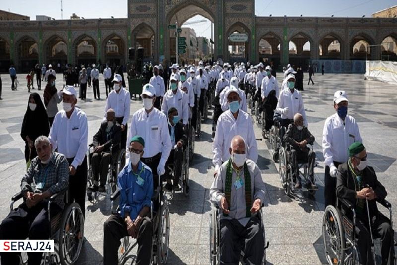 تشرف 100 سالمند محروم به حرم امام رضا (ع)