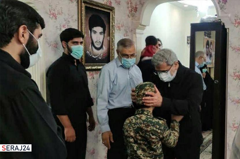 سردار قاآنی و حجتالاسلام محمدی با خانواده شهید «حسن عبداللهزاده» دیدار کردند+عکس
